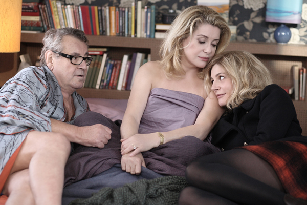 Milos Forman with Catherine Deneuve and Chiara Mastroianni