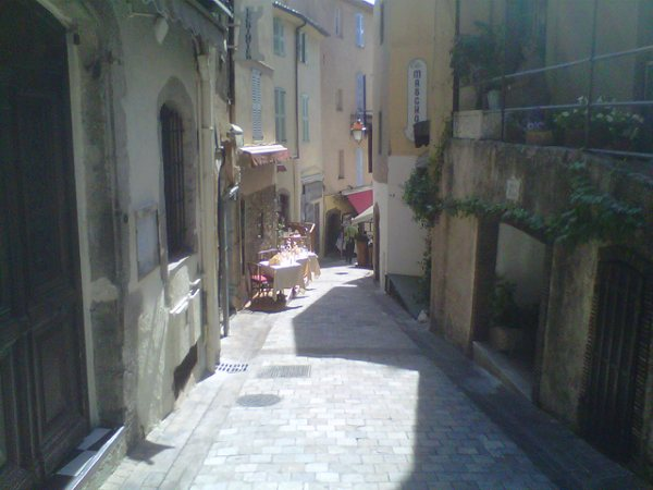 This little lane in the old part of Cannes will be PACKED tomorrow!