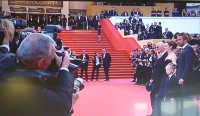 Rust and Bone premiere in Cannes tonight, stars and Director standing on the right